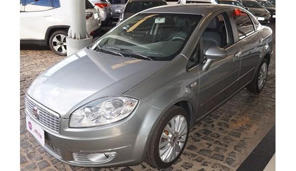//www.autoline.com.br/carro/fiat/linea-18-absolute-16v-sedan-flex-4p-dualogic/2014/teresina-pi/6955277