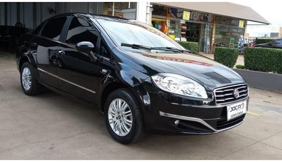 //www.autoline.com.br/carro/fiat/linea-18-essence-dualogic-16v-130cv-4p-flex/2015/campo-grande-ms/7030379