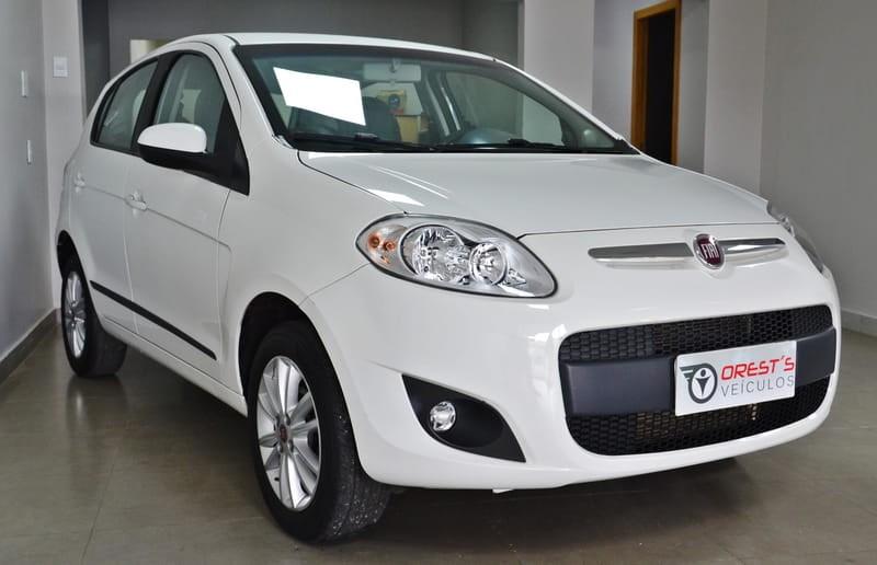 //www.autoline.com.br/carro/fiat/palio-16-essence-16v-flex-4p-dualogic/2015/brasilia-df/12803972