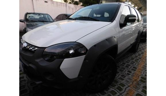 //www.autoline.com.br/carro/fiat/palio-10-attractive-8v-flex-4p-manual/2017/fortaleza-ce/7486618