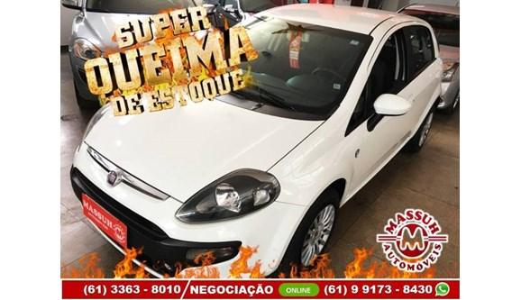 //www.autoline.com.br/carro/fiat/punto-14-attractive-8v-flex-4p-manual/2013/brasilia-df/11647393