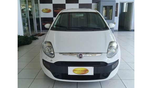 //www.autoline.com.br/carro/fiat/punto-14-attractive-8v-flex-4p-manual/2013/brasilia-df/6807490