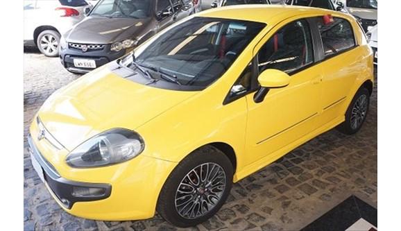 //www.autoline.com.br/carro/fiat/punto-18-sporting-dualogic-16v-130cv-4p-flex/2014/teresina-pi/6953642