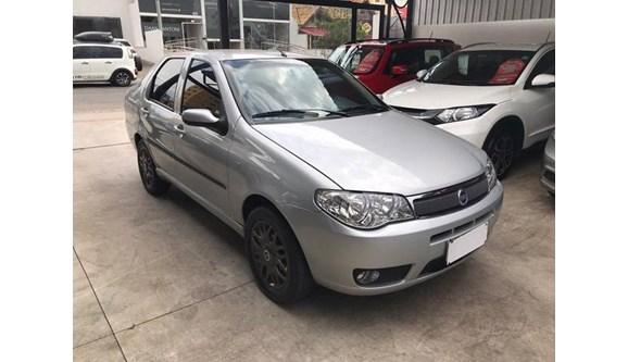 //www.autoline.com.br/carro/fiat/siena-18-hlx-8v-gasolina-4p-manual/2005/goiania-go/10709113