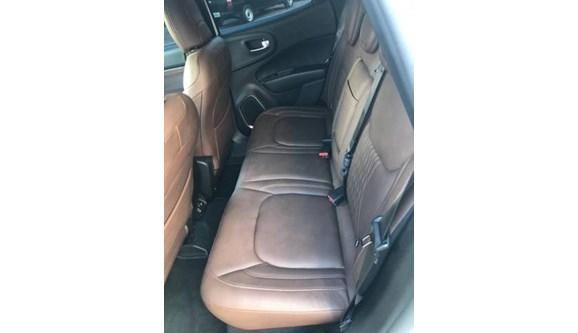//www.autoline.com.br/carro/fiat/toro-20-ranch-16v-diesel-4p-4x4-turbo-automatico/2019/pouso-alegre-mg/11744580