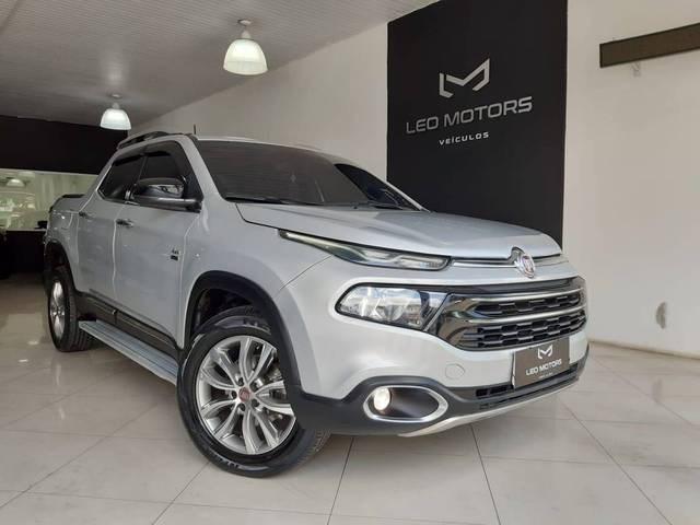 //www.autoline.com.br/carro/fiat/toro-20-volcano-16v-diesel-4p-4x4-turbo-automatico/2017/sao-paulo-sp/12767888