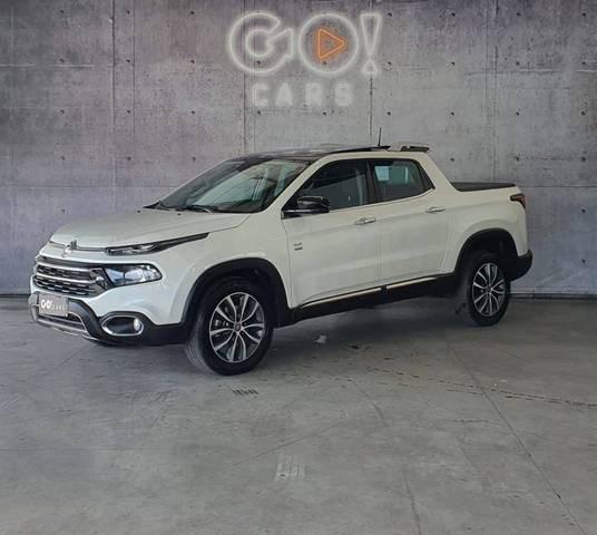 //www.autoline.com.br/carro/fiat/toro-20-volcano-16v-diesel-4p-4x4-turbo-automatico/2020/juiz-de-fora-mg/14850016