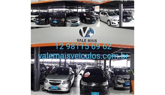 //www.autoline.com.br/carro/fiat/uno-10-way-6v-flex-4p-manual/2017/sao-jose-dos-campos-sp/12949970