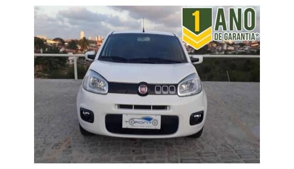 //www.autoline.com.br/carro/fiat/uno-14-evo-evolution-8v-flex-4p-manual/2015/natal-rn/6736234