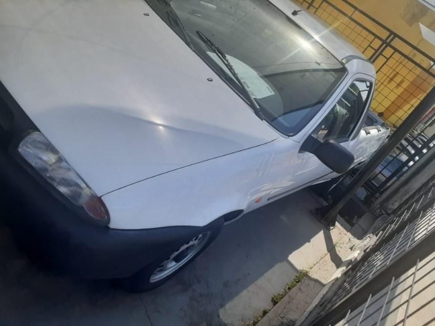 //www.autoline.com.br/carro/ford/courier-13-dh-ac-8v-gasolina-2p-manual/2000/campinas-sp/12718007