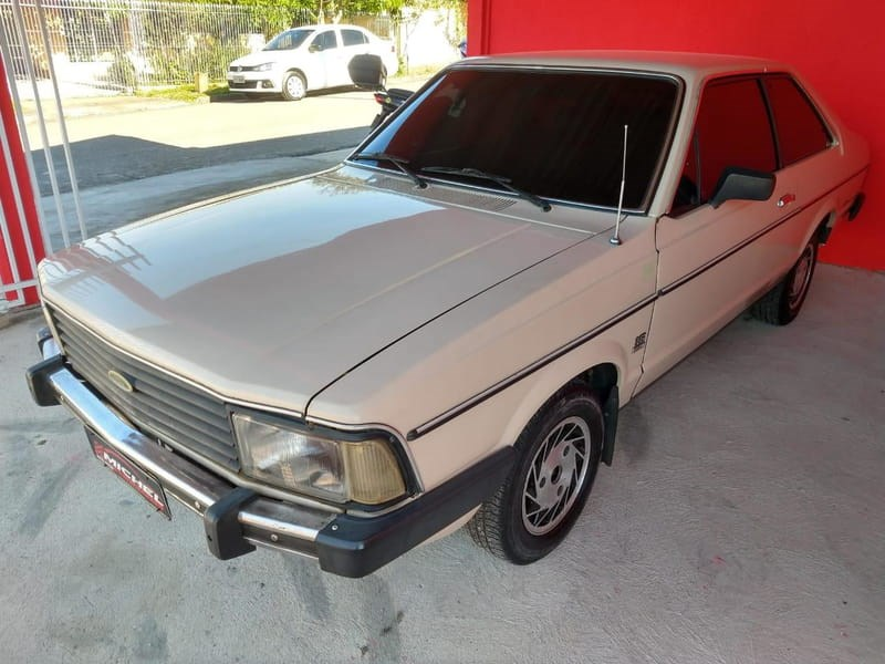 //www.autoline.com.br/carro/ford/del-rey-sedan-16-l-73cv-2p-alcool-manual/1983/fazenda-rio-grande-pr/14217126