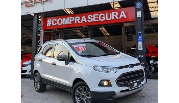 //www.autoline.com.br/carro/ford/ecosport-16-freestyle-16v-flex-4p-manual/2017/sao-paulo-sp/12304036