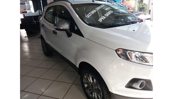 //www.autoline.com.br/carro/ford/ecosport-16-freestyle-16v-110cv-4p-flex-automatico/2017/mogi-mirim-sp/6678167