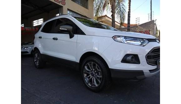 //www.autoline.com.br/carro/ford/ecosport-16-freestyle-16v-flex-4p-manual/2014/catanduva-sp/7787682