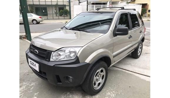 //www.autoline.com.br/carro/ford/ecosport-16-xls-8v-flex-4p-manual/2010/taubate-sp/7816472