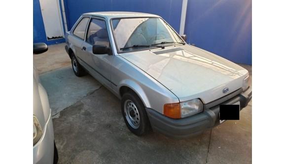 //www.autoline.com.br/carro/ford/escort-10-hobby-hatch-58cv-2p-gasolina-manual/1995/indaiatuba-sp/12757228