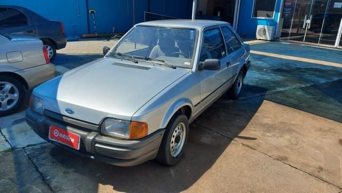 //www.autoline.com.br/carro/ford/escort-10-hobby-hatch-58cv-2p-gasolina-manual/1995/indaiatuba-sp/12757236