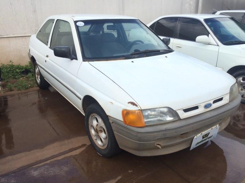 //www.autoline.com.br/carro/ford/escort-18-gl-i-89cv-2p-alcool-manual/1995/campo-grande-ms/13918746