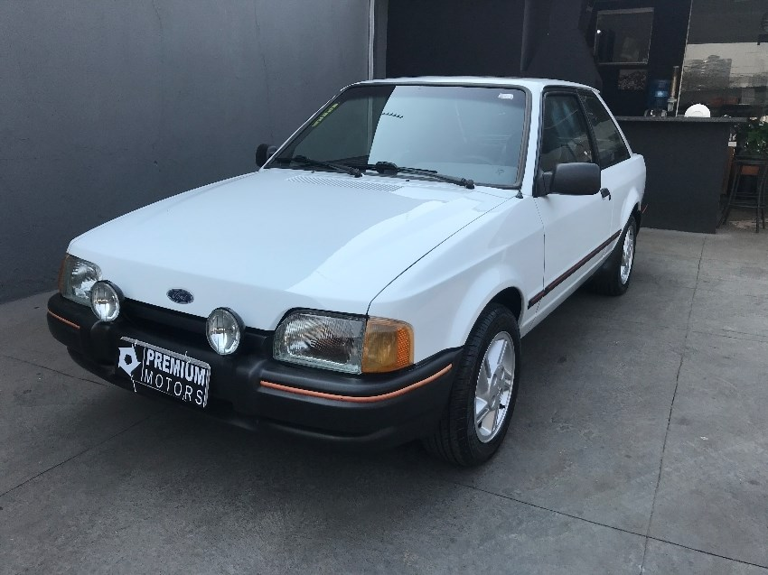 //www.autoline.com.br/carro/ford/escort-16-xr3-hatch-83cv-2p-alcool-manual/1989/campo-grande-ms/14767341