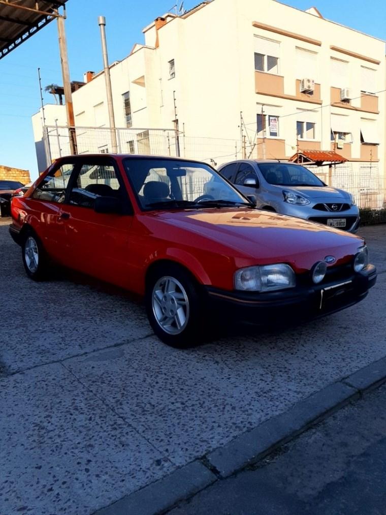 //www.autoline.com.br/carro/ford/escort-16-xr3-hatch-83cv-2p-gasolina-manual/1988/porto-alegre-rs/15287685