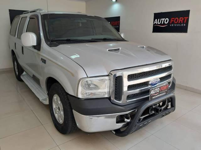 //www.autoline.com.br/carro/ford/f-250-42-xlt-4x2-turbo-ic-180cv-4p-diesel-manual/2006/brasilia-df/12499068