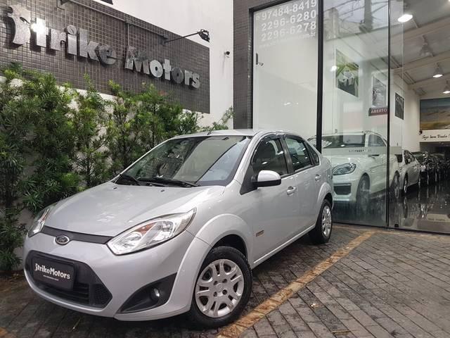 //www.autoline.com.br/carro/ford/fiesta-16-rocam-8v-sedan-flex-4p-manual/2013/sao-paulo-sp/10298805