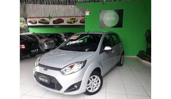 //www.autoline.com.br/carro/ford/fiesta-10-se-8v-flex-4p-manual/2014/sao-paulo-sp/10769866
