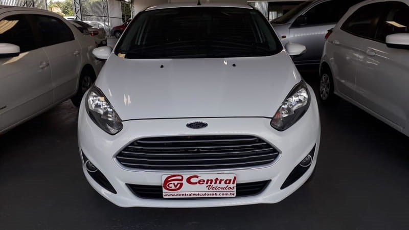 //www.autoline.com.br/carro/ford/fiesta-15-s-16v-flex-4p-manual/2016/agua-boa-mt/11176483
