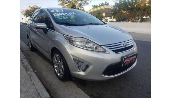 //www.autoline.com.br/carro/ford/fiesta-16-se-16v-sedan-flex-4p-manual/2013/sao-paulo-sp/11244777