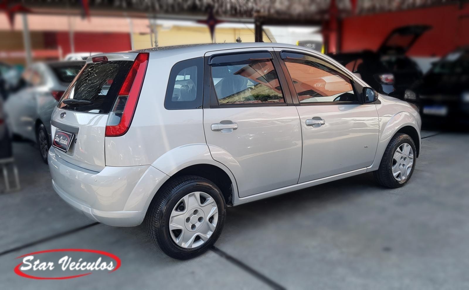 //www.autoline.com.br/carro/ford/fiesta-10-se-8v-flex-4p-manual/2014/sao-paulo-sp/12345404