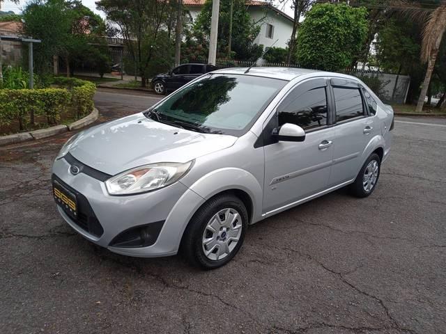 //www.autoline.com.br/carro/ford/fiesta-16-hatch-tivct-se-16v-flex-4p-manual/2014/sao-paulo-sp/12659692