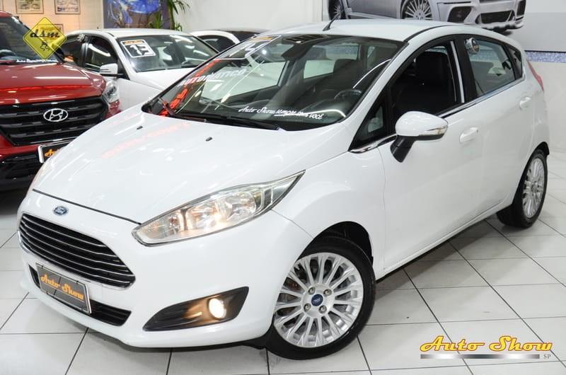 //www.autoline.com.br/carro/ford/fiesta-16-hatch-tivct-titanium-16v-flex-4p-powershif/2014/sao-paulo-sp/12659813