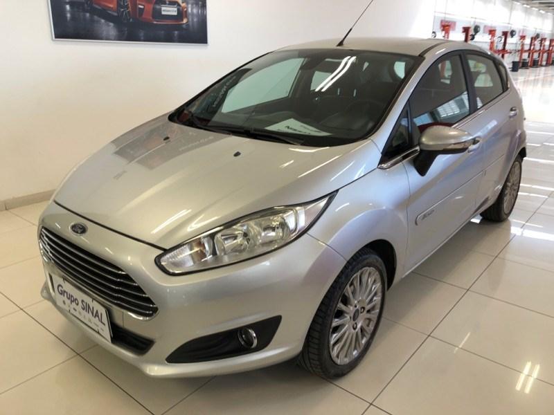 //www.autoline.com.br/carro/ford/fiesta-16-hatch-tivct-titanium-16v-flex-4p-powershif/2015/osasco-sp/13000841