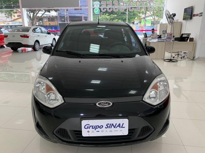 //www.autoline.com.br/carro/ford/fiesta-10-hatch-rocam-se-8v-flex-4p-manual/2014/sao-paulo-sp/13513388