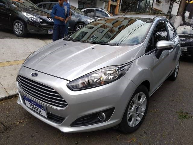 //www.autoline.com.br/carro/ford/fiesta-16-hatch-sel-16v-flex-4p-manual/2017/sao-paulo-sp/13565740
