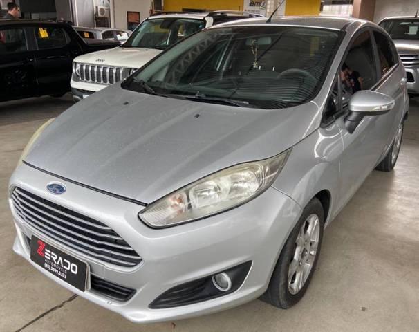 //www.autoline.com.br/carro/ford/fiesta-16-hatch-tivct-se-16v-flex-4p-powershift/2015/fortaleza-ce/13569332