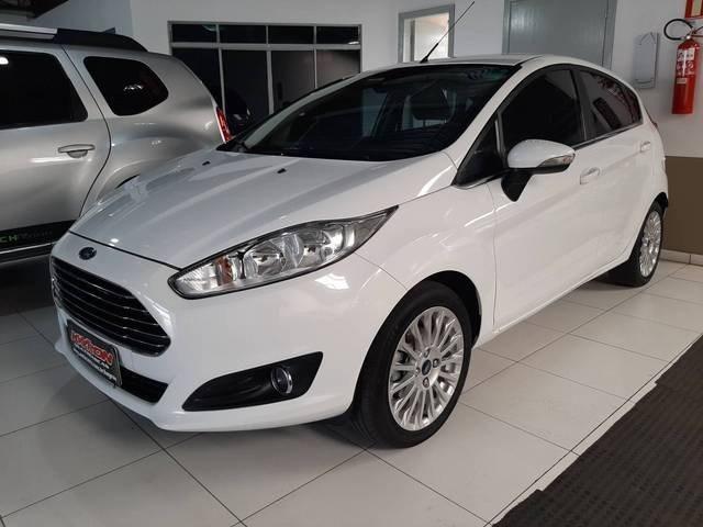 //www.autoline.com.br/carro/ford/fiesta-16-hatch-tivct-titanium-16v-flex-4p-manual/2016/porto-alegre-rs/13589850