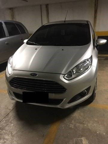 //www.autoline.com.br/carro/ford/fiesta-16-hatch-tivct-titanium-16v-flex-4p-powershif/2015/sao-paulo-sp/13700766