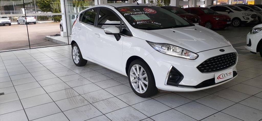 //www.autoline.com.br/carro/ford/fiesta-16-hatch-titanium-16v-flex-4p-automatizado/2018/curitiba-pr/14022813