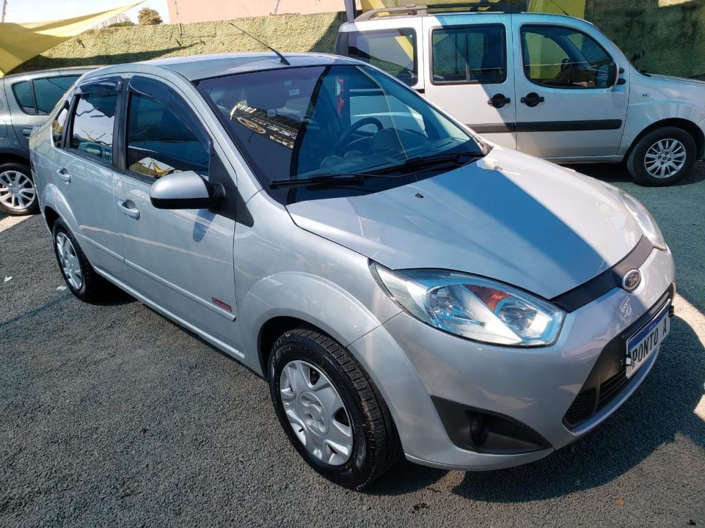 //www.autoline.com.br/carro/ford/fiesta-16-sedan-rocam-8v-flex-4p-manual/2012/campinas-sp/14570261