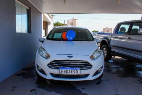 //www.autoline.com.br/carro/ford/fiesta-16-sedan-tivct-se-16v-flex-4p-manual/2015/presidente-prudente-sp/14827261