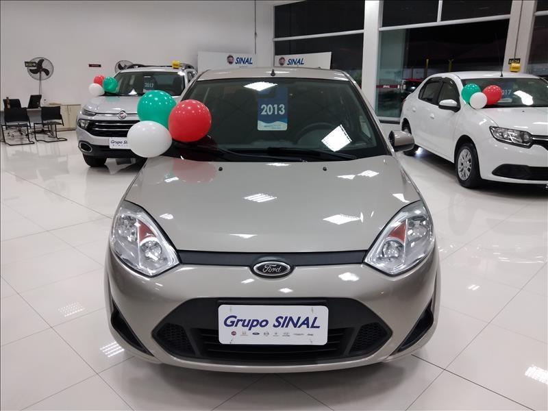 //www.autoline.com.br/carro/ford/fiesta-16-sedan-rocam-8v-flex-4p-manual/2013/sao-paulo-sp/14838475