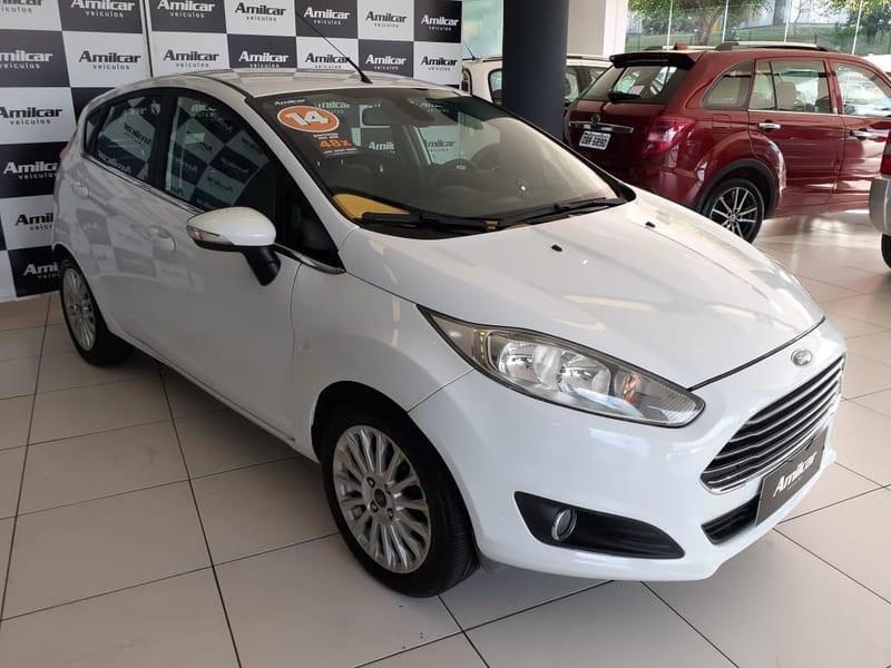 //www.autoline.com.br/carro/ford/fiesta-16-hatch-tivct-titanium-16v-flex-4p-powershif/2015/cascavel-pr/14864824