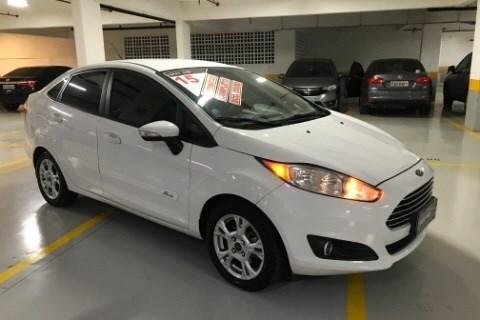 //www.autoline.com.br/carro/ford/fiesta-16-sedan-tivct-se-16v-flex-4p-powershift/2015/sao-paulo-sp/15267511