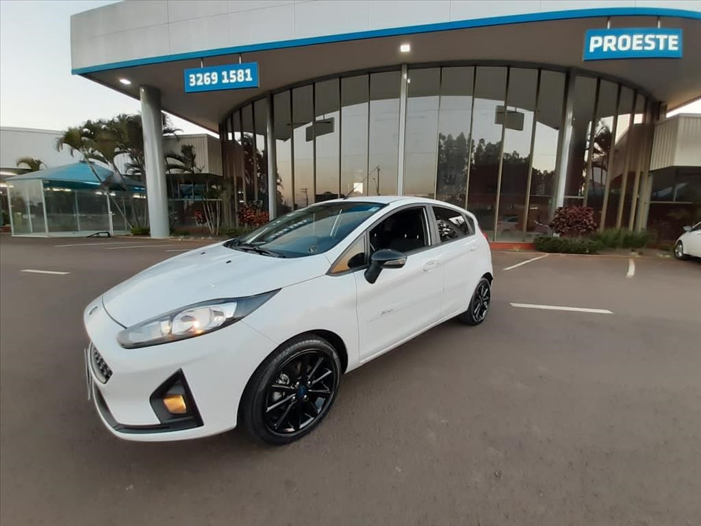 //www.autoline.com.br/carro/ford/fiesta-10-hatch-ecoboost-sel-style-12v-gasolina-4p-t/2018/lencois-paulista-sp/15460071