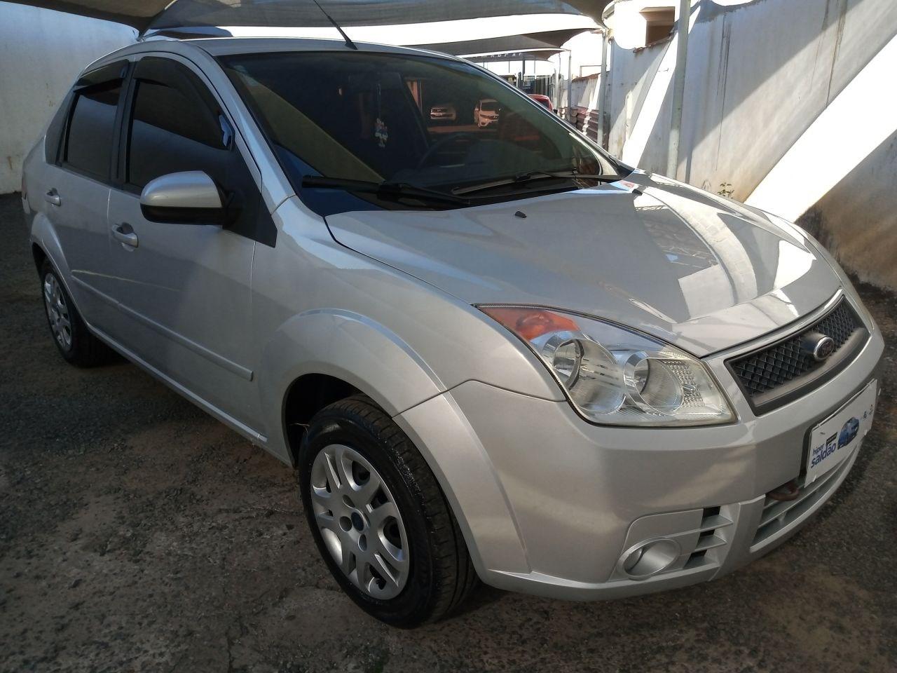 //www.autoline.com.br/carro/ford/fiesta-16-sedan-8v-flex-4p-manual/2008/salto-sp/15530907