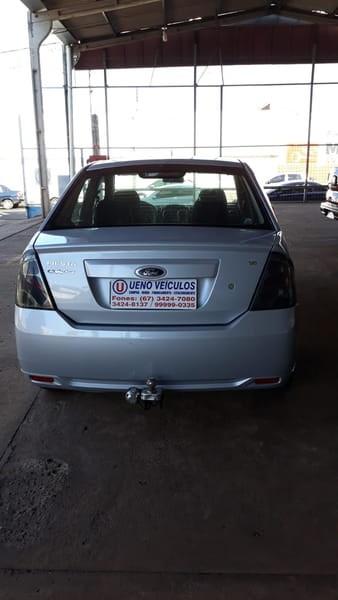 //www.autoline.com.br/carro/ford/fiesta-16-sedan-rocam-8v-flex-4p-manual/2013/dourados-ms/15697105