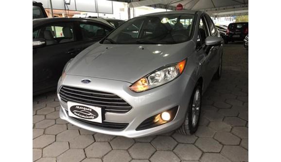 //www.autoline.com.br/carro/ford/fiesta-16-titanium-16v-sedan-flex-4p-powershift/2015/palhoca-sc/5845123