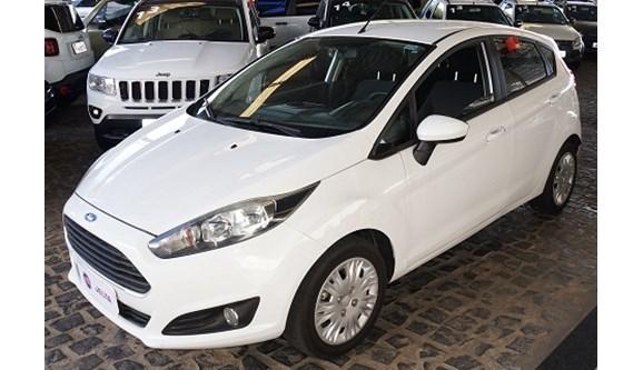 //www.autoline.com.br/carro/ford/fiesta-15-s-16v-flex-4p-manual/2014/teresina-pi/6954321