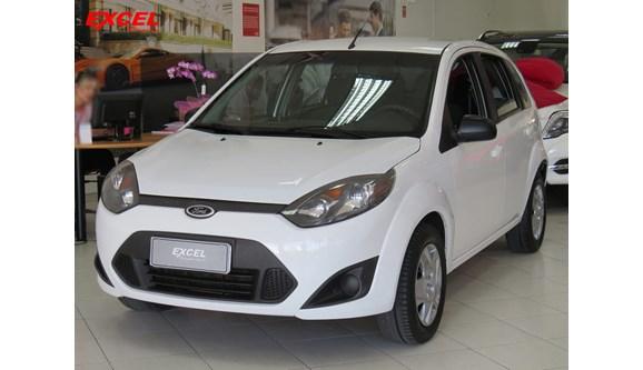 //www.autoline.com.br/carro/ford/fiesta-10-se-8v-flex-4p-manual/2014/curitiba-pr/8308317